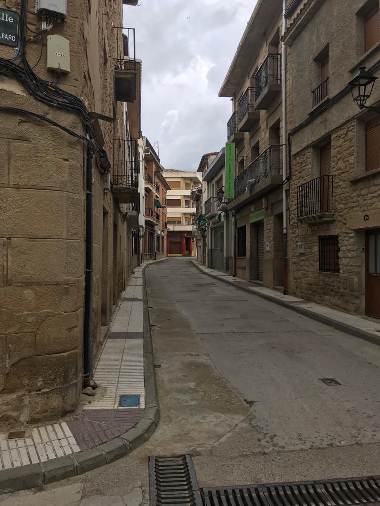 Calle Mayor de Carcastillo durante el confinamiento